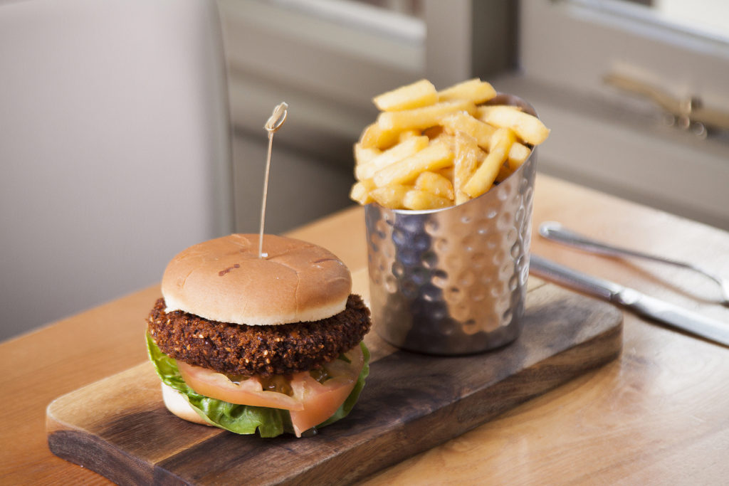 burger and chips pub food chequers pub stotfold